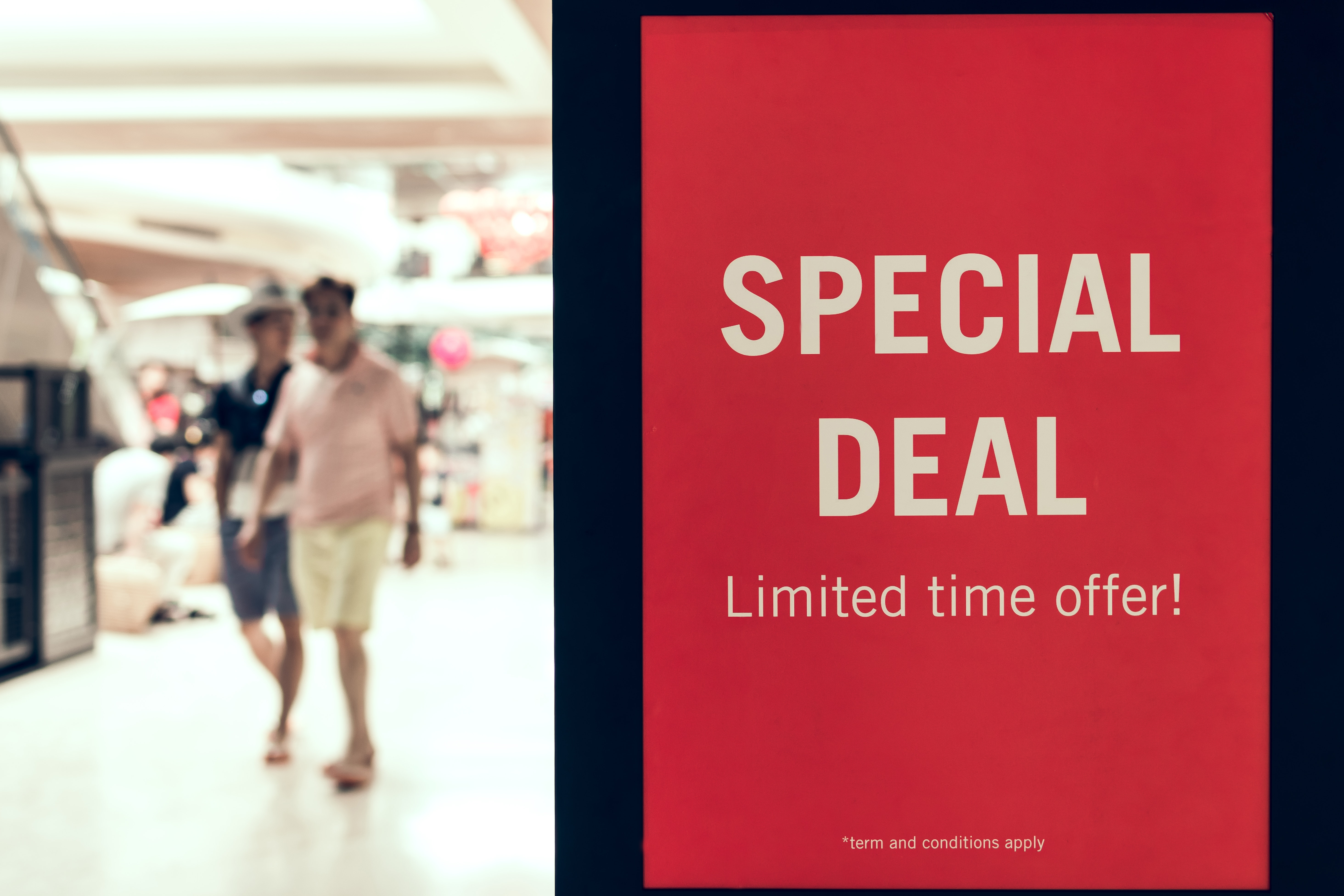 adult-advertisement-airport-1114376